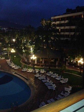 Hotel Botánico & The Oriental Spa Garden: evening shot