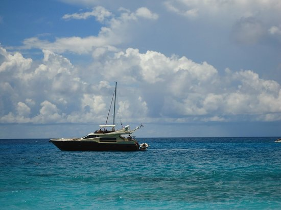 Anse Major: Boat