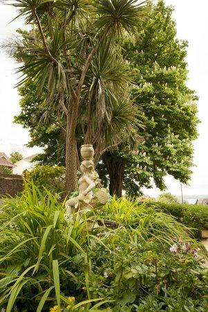 Summerhill Hotel: Garden