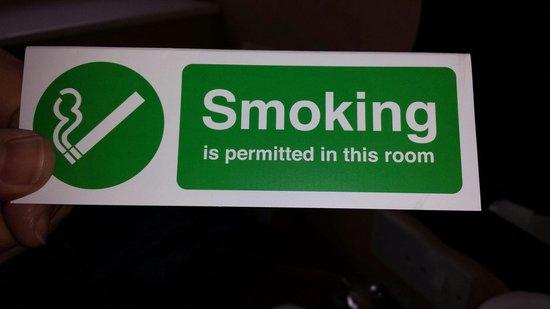 Savoy Hotel : Smoking room?