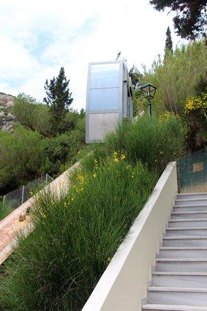 SENSIMAR Grand Mediterraneo Resort & Spa by Atlantica: Funicular elevator (when its working)