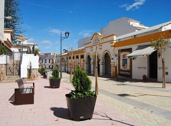 Mercado Municipal de Abastos: Street now beautified