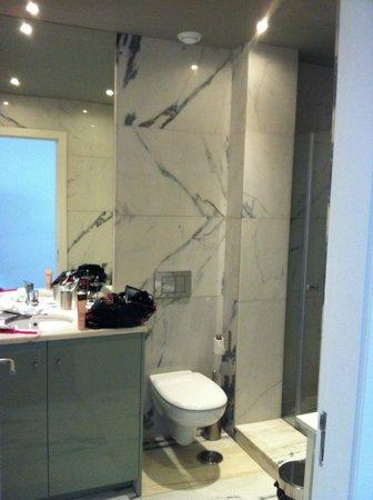 Lisbon Colours: Bathroom