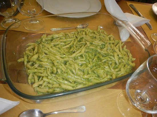 Good Tastes of Tuscany - Day Classes: Troffe pasta with pesto sauce