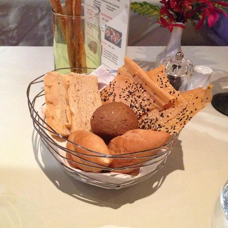 Bruno's Restaurant and Wine Bar: bread
