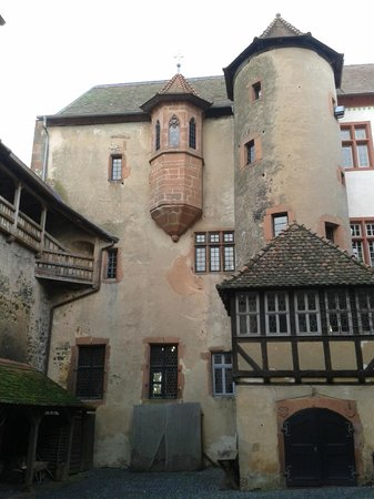 Burg Ronneburg: Great hall and chapel oriel