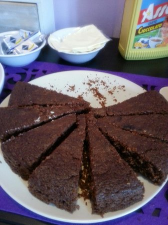 B&B Il Magnifico Soggiorno : Torta al cioccolato squisita