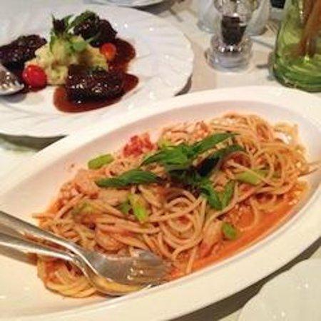 Bruno's Restaurant & Wine Bar: spaghetti