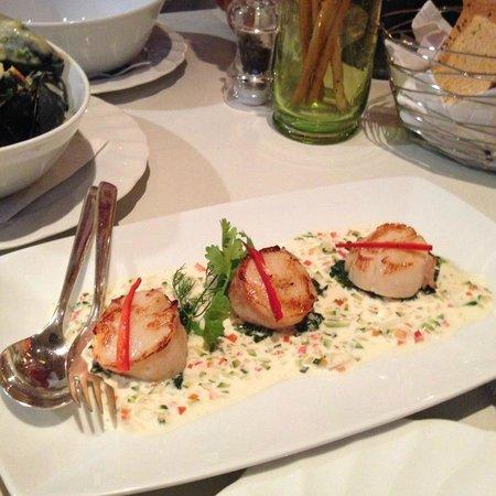 Bruno's Restaurant and Wine Bar : scallop