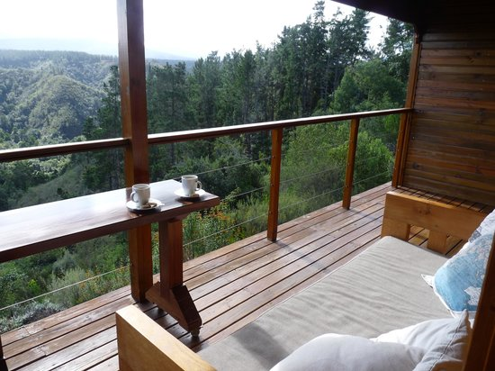 Cliffhanger Cottages : Coffee with beautiful view in the mornings