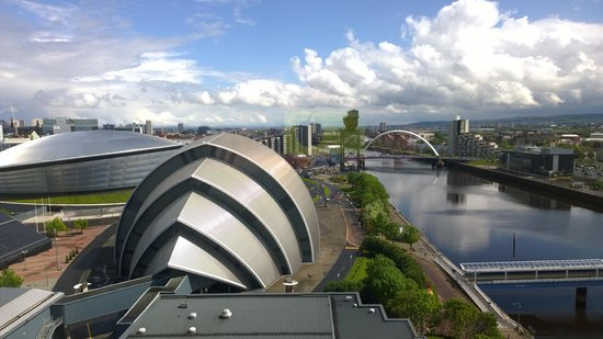 Crowne Plaza Glasgow: Eastward view from 14th Floor