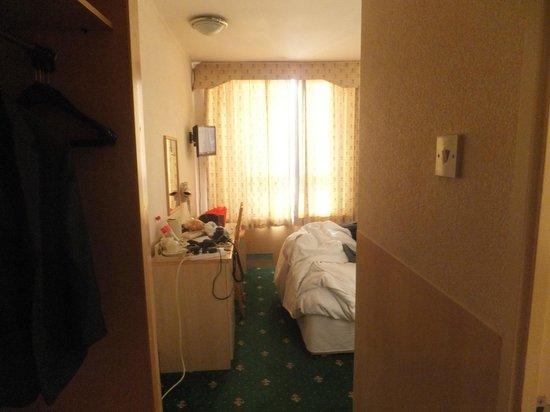 Central Park Hotel: Room Entrance