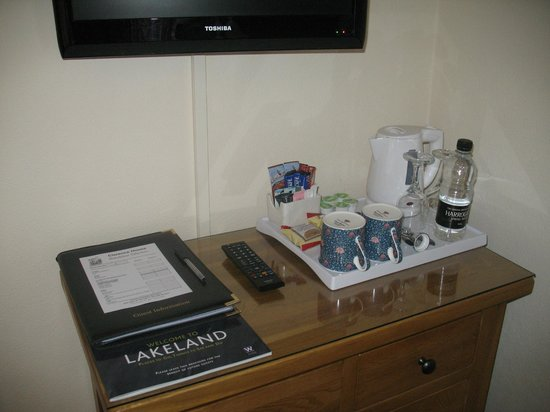Clarence House: Generous and high quality hospitality tray in all rooms