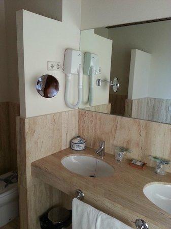 Hotel de Bodegas Hacienda Albae: Baño