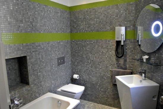 b11 Hotel : The bathroom :)