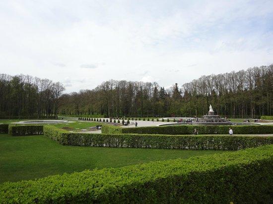 Schloss Herrenchiemsee: В парке перед дворцом