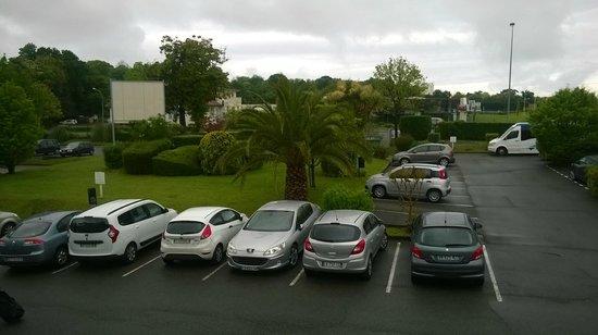 Campanile Biarritz: Car park