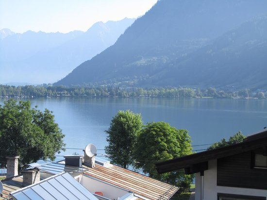 Hotel Salzburgerhof : What of view - Lake & Mountain