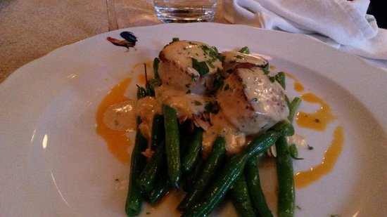 Bistro le Coq: Scallops and green beans