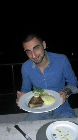 Malli's Seafood Restaurant: Yaas