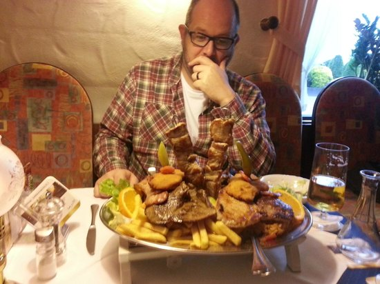 Bruggen, Tyskland: Overwhelmed by the food!