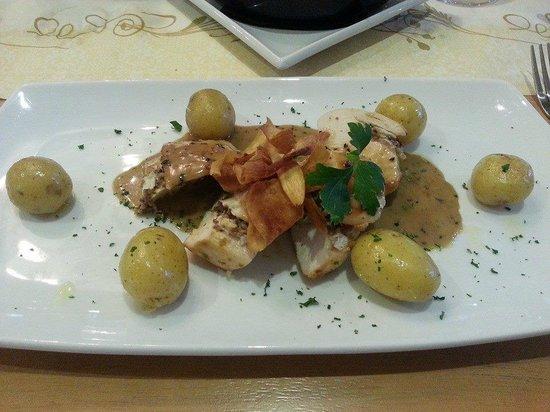 Goody Blake's: Chicken ballentine - Chicken stuffed with haggis