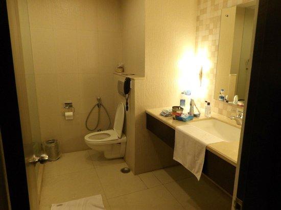 The Retreat: bathroom