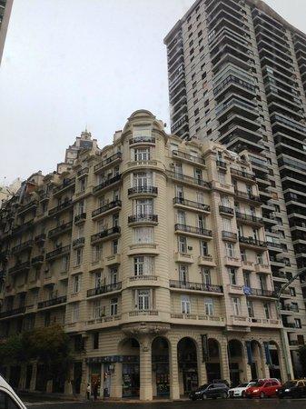 Plaza Hotel Buenos Aires: facade
