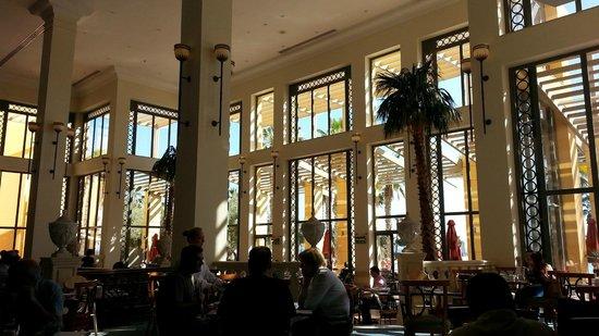 Hilton Malta: Breakfast area