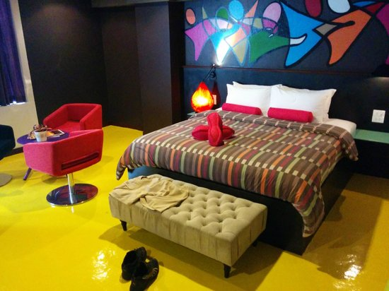 Hug Collection Hotel : king-size bed