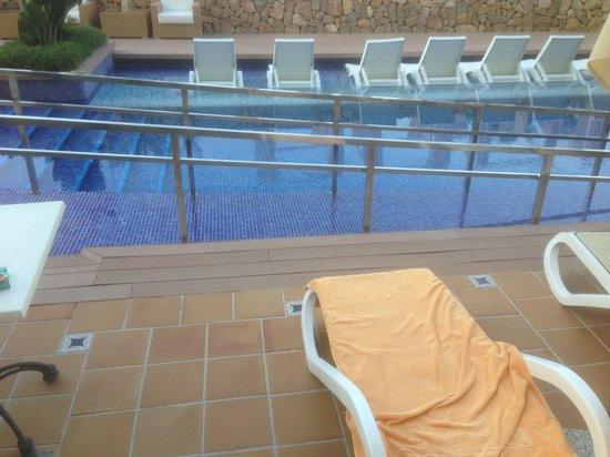 IBEROSTAR Suites Hotel Jardin del Sol: Swim up room???? with wheelchair ramp and walkway!