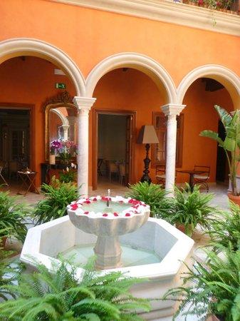 Boutique Hotel Casa del Poeta : Интерьер отеля