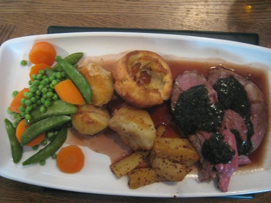 Finns at Ringwood: Lamb roast lunch