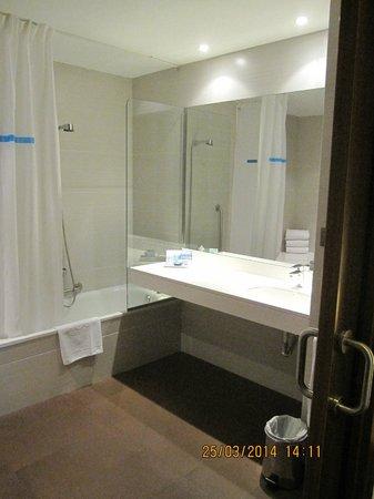 HCC Lugano: Ванная комната в отеле