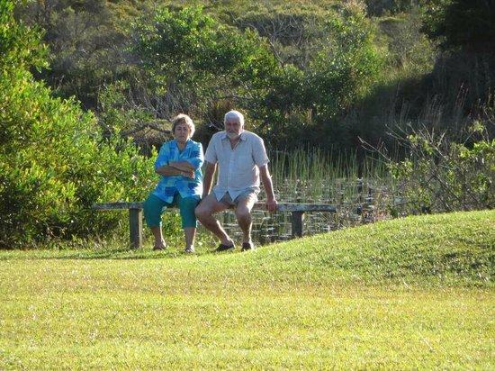 Seashells Beachfront Resort: Relaxing at dam