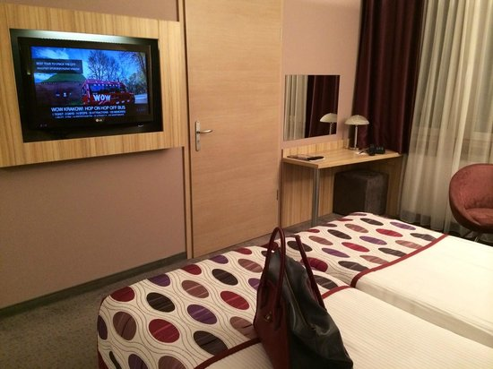 Hotel Galaxy: Room 503