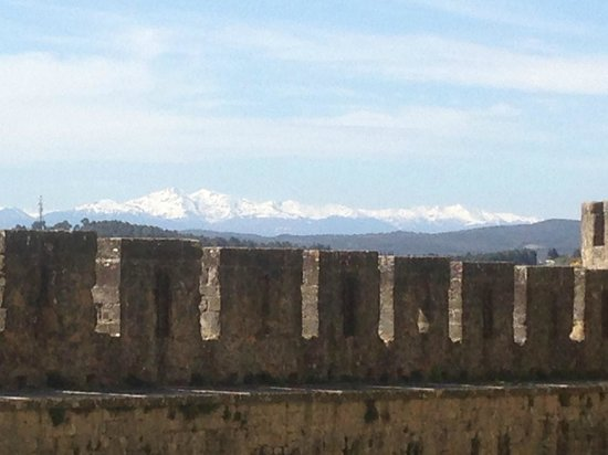 Ramparts with views of the pyrenees mountains picture of for Chambre d hotes pyrenees