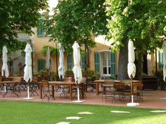 Hostellerie de l'Abbaye de la Celle: Terrace