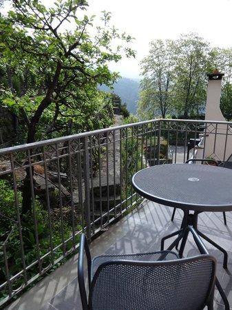 Hotel Il Saraceno: terrasse de notre chambre vue sur les vignes