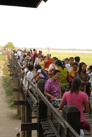 Pont d'U Bein : Die Wahrheit über die U-Bein Brücke