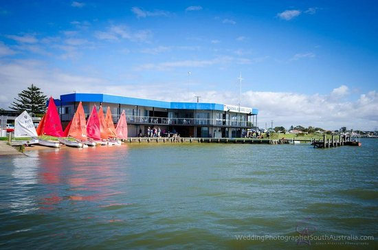 ‪Goolwa Aquatic Club Restaurant‬