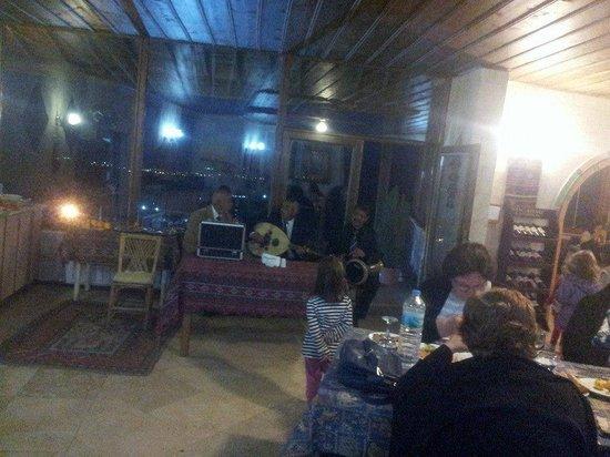 Akyol Hotel : akyol otel fasıl ekibi
