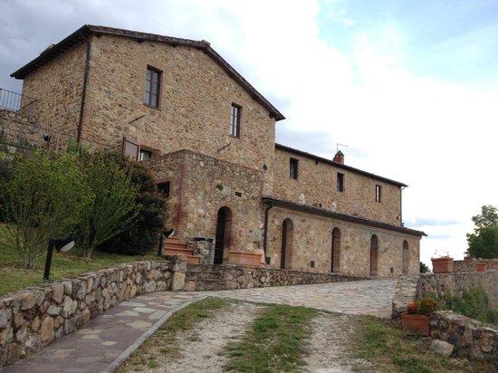 Relais Borgo di Stigliano: Hotel dal lato parcheggio