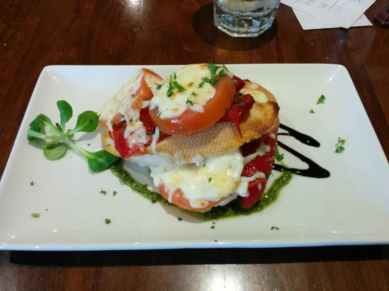 Victoria's Restaurant & Coffee Shop: roasted veggie bruschetta