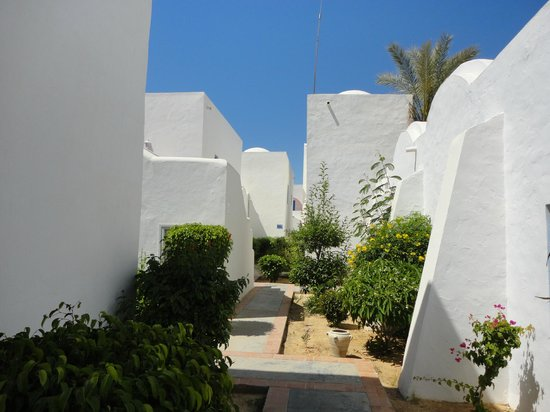 Winzrik Resort & Thalasso Djerba: ALLEE POUR ALLER AUX CHAMBRES