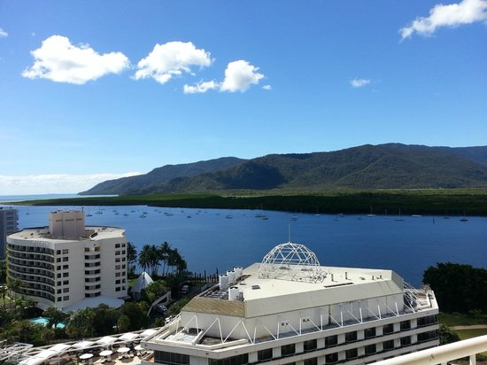 Pullman Cairns International: Wow, what a view from room 1614