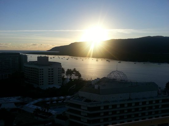 Pullman Cairns International: Sunrise from room 1614