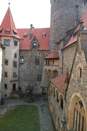 Bouzov Castle: внутренний двор