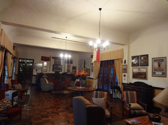 Royal Country Inn: Lounge