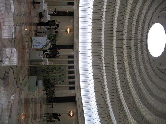 MOA Museum of Art: Холл